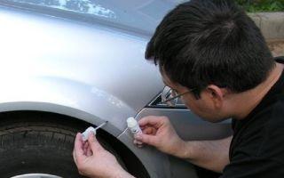Как закрасить сколы на машине, сделать это самостоятельно и правильно, большой и мелкий, на оцинкованной