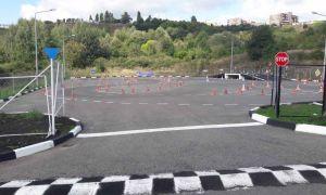 Площадка для обучения вождению: где найти бесплатные для вождения на своем автомобиле, требования к ним, закрытые и заброшенные, открытые, автодром, на мотоцикле